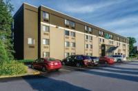 La Quinta Inn & Suites Warwick-Providence Airport Image