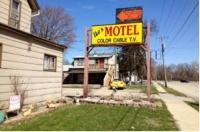 Ike's Motel Beloit Image