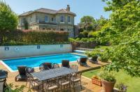 Luccombe Villa Holiday Apartments Image