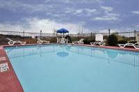 Holiday Inn Express Hotel & Suites Calhoun Image