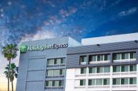 Holiday Inn Express Van Nuys Image