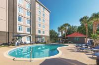 La Quinta Inn & Suites Orlando Ucf Image