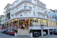 Hotel Luana Image