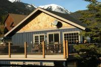 Lush Mountain Accommodations Image
