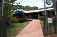 Lazy Lizard Tavern And Caravan Park Cabins Image