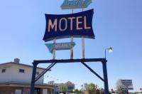 Skyline Motel Image