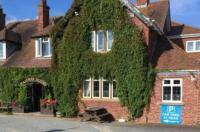 Halfway House Inn Country Lodge Image