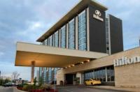 Hilton Toronto Airport Hotel & Suites Image