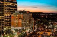 Sheraton Suites Calgary Eau Claire Image