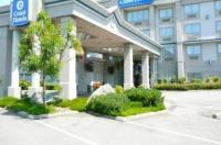 Coast Abbotsford Hotel & Suites Image