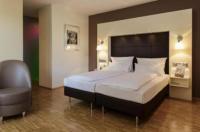 Hotel Santo Image