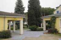 Hotel Merkur Garni Image