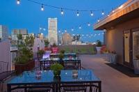 Cova Hotel Image
