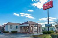 Econo Lodge Inn & Suite Clarksville Image
