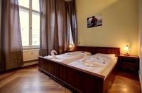 Hotel Pension Bernstein am Kurfürstendamm Image
