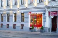 Hotel Lucia Image