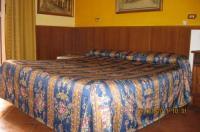 Le Petit Hotel Image