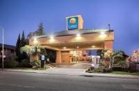 Comfort Inn & Suites Oakland Airport Image
