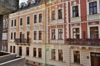 Hotel Amber Image