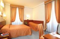 Hotel Dina Image
