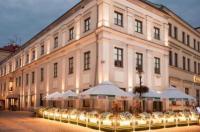 Vanilla Hotel Image