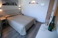 Hotel Ciutat De Sant Adria Image
