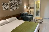 Hotel Aneto Image