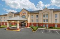 Comfort Suites Newark Image