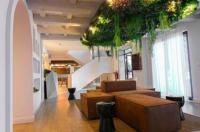 Hotel Lombiña Image