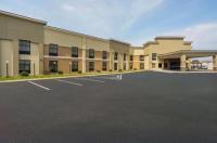 Clarion Inn & Suites Evansville Image