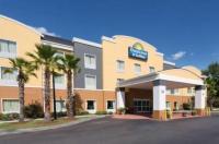 Days Inn & Suites Port Wentworth-North Savannah Image