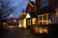 Corner House Hotel Gatwick Image