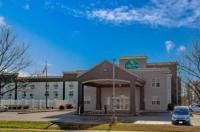 La Quinta Inn & Suites Lexington Park Image