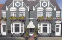 Buckingham's Hotel Image