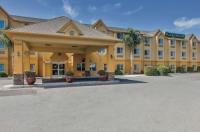 La Quinta Inn & Suites Tulare Image