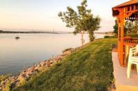 Econo Lodge Montmorency Falls Image
