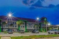 La Quinta Inn & Suites Biloxi Image