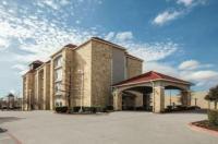 La Quinta Inn Suites Mansfield Image