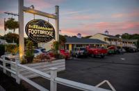 Footbridge Beach Motel Image