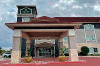 La Quinta Inn & Suites Waxahachie Image
