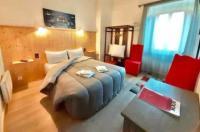 Hotel Bayle Image
