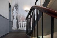 A l'Hôtel Des Roys Image