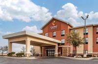 Comfort Inn & Suites Shawnee Image
